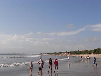 20081105_1g_kuta_beach.jpg